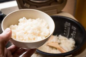 does rice cooker use a lot of electricity